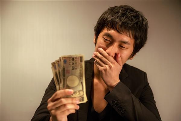 クレジットカード現金化と闇金の関連性