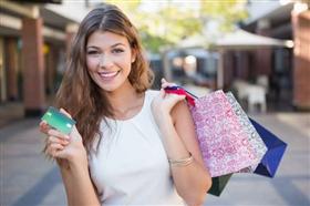 クレジットカード現金化を利用している人のイメージ